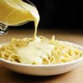 макароны с сырным соусом
